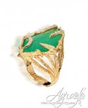 Кольцо из золота с изумрудом и бриллиантами